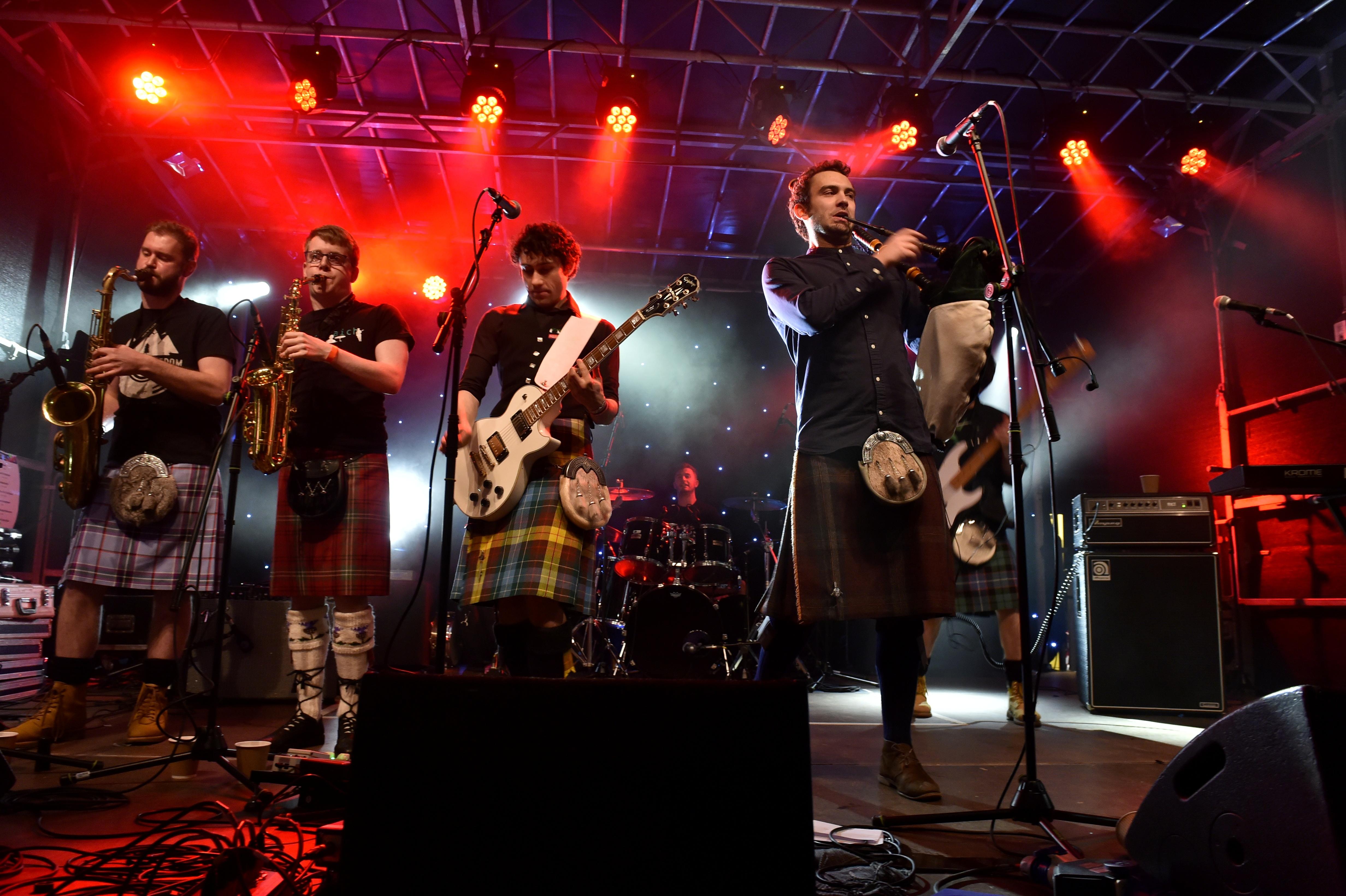 Celtic rock band Gleadhraich