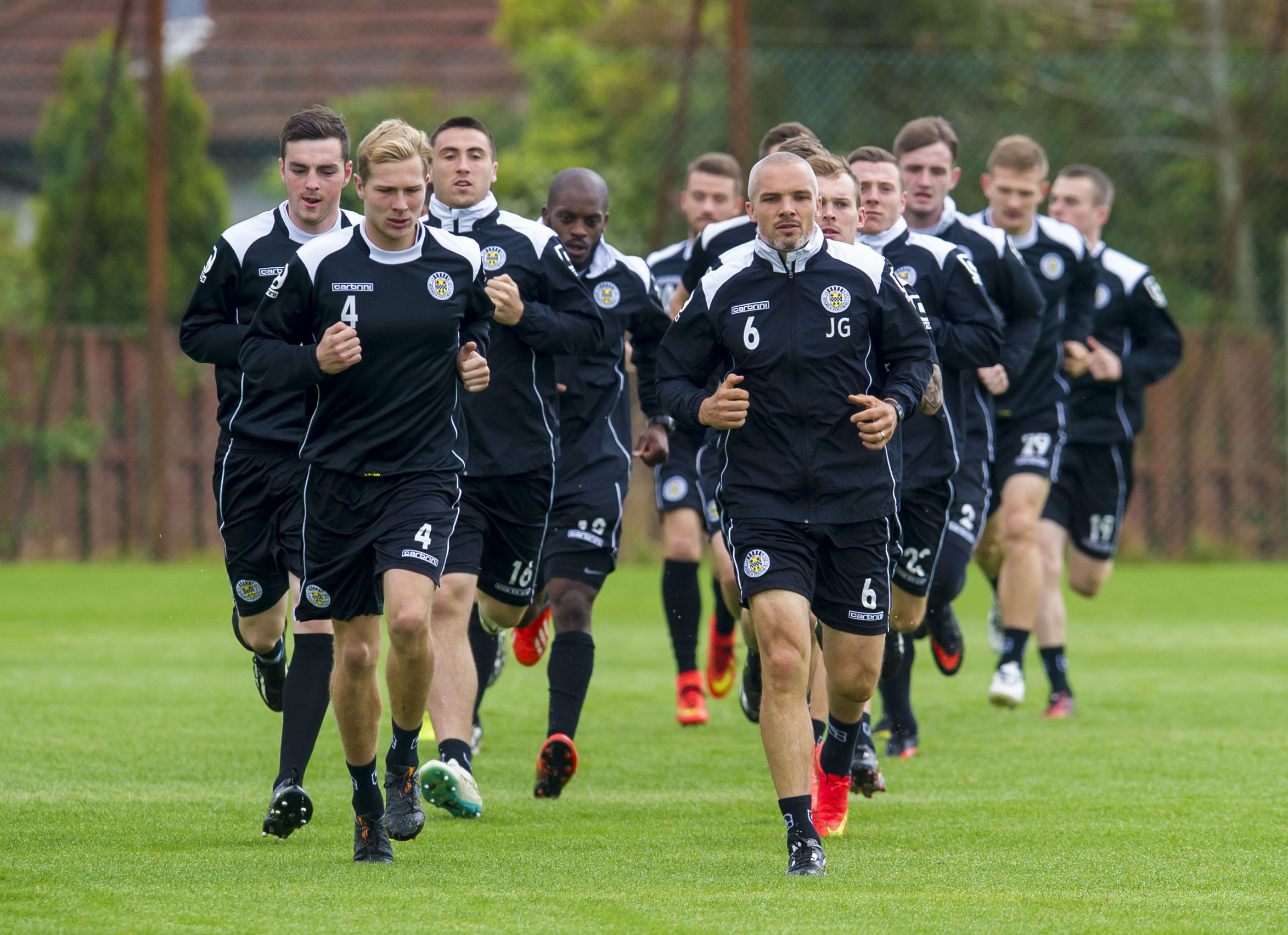 Sean Kelly (far left) played with Jim Goodwin (front right) at St Mirren.