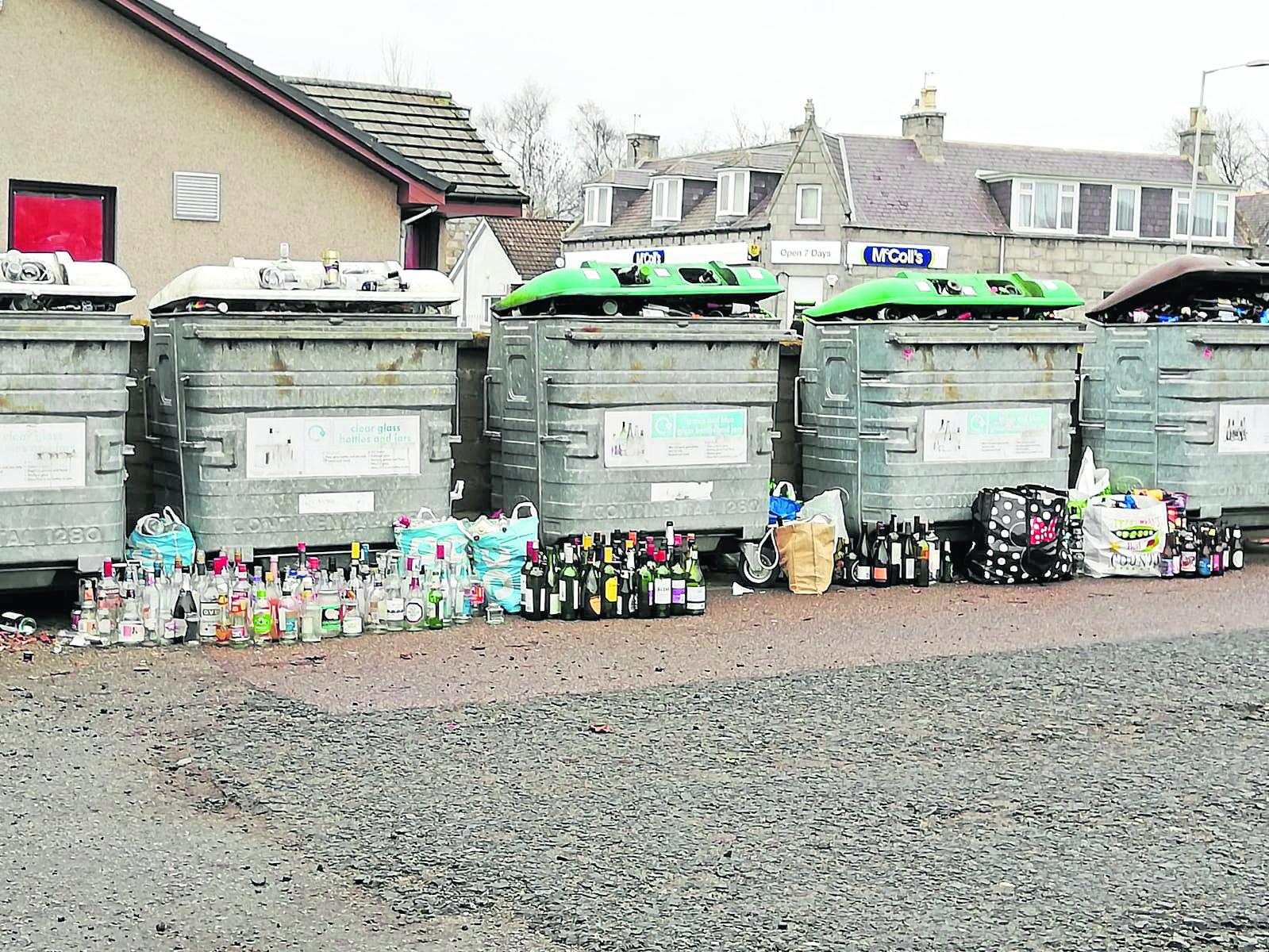 Kemnay recycling bins