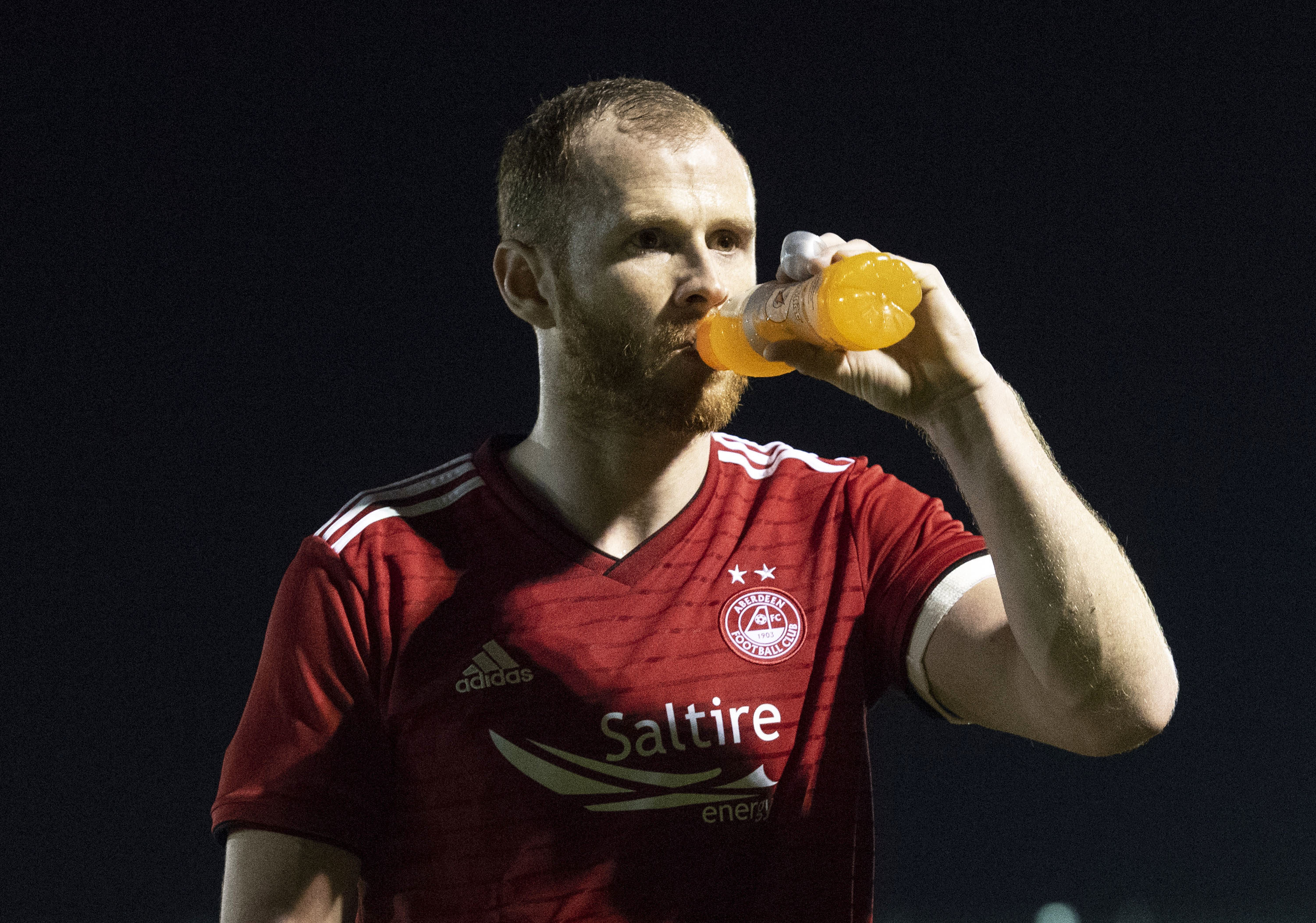Mark Reynolds has signed a pre-contract with Dundee United.