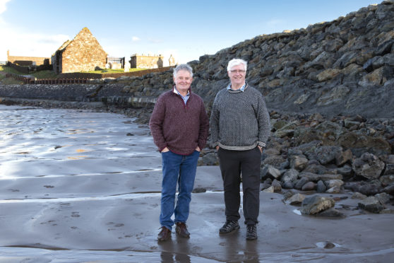 The work of consultants Tony Robson and Alasdair Nicholson has been praised by the Point and Sandwick Trust