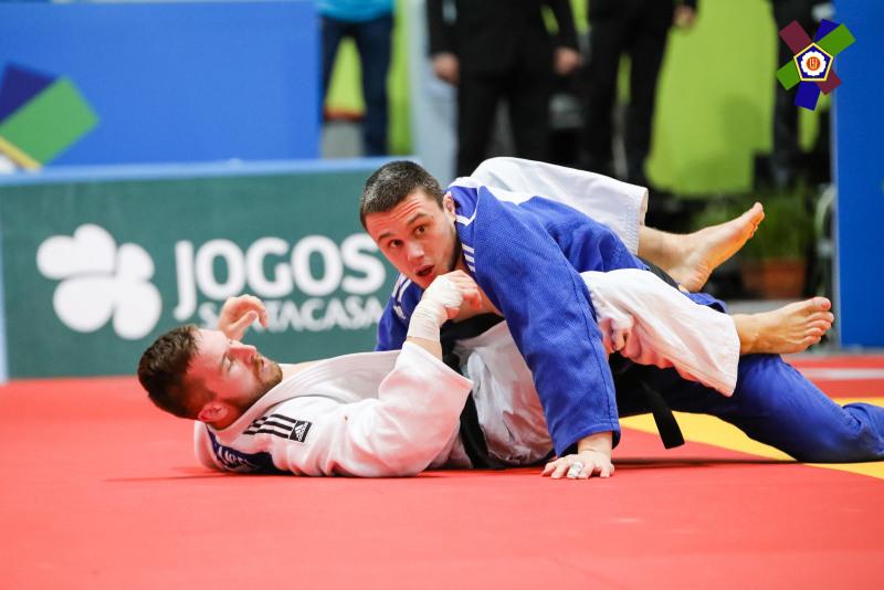 Inverurie judoka Stuart McWatt (blue)