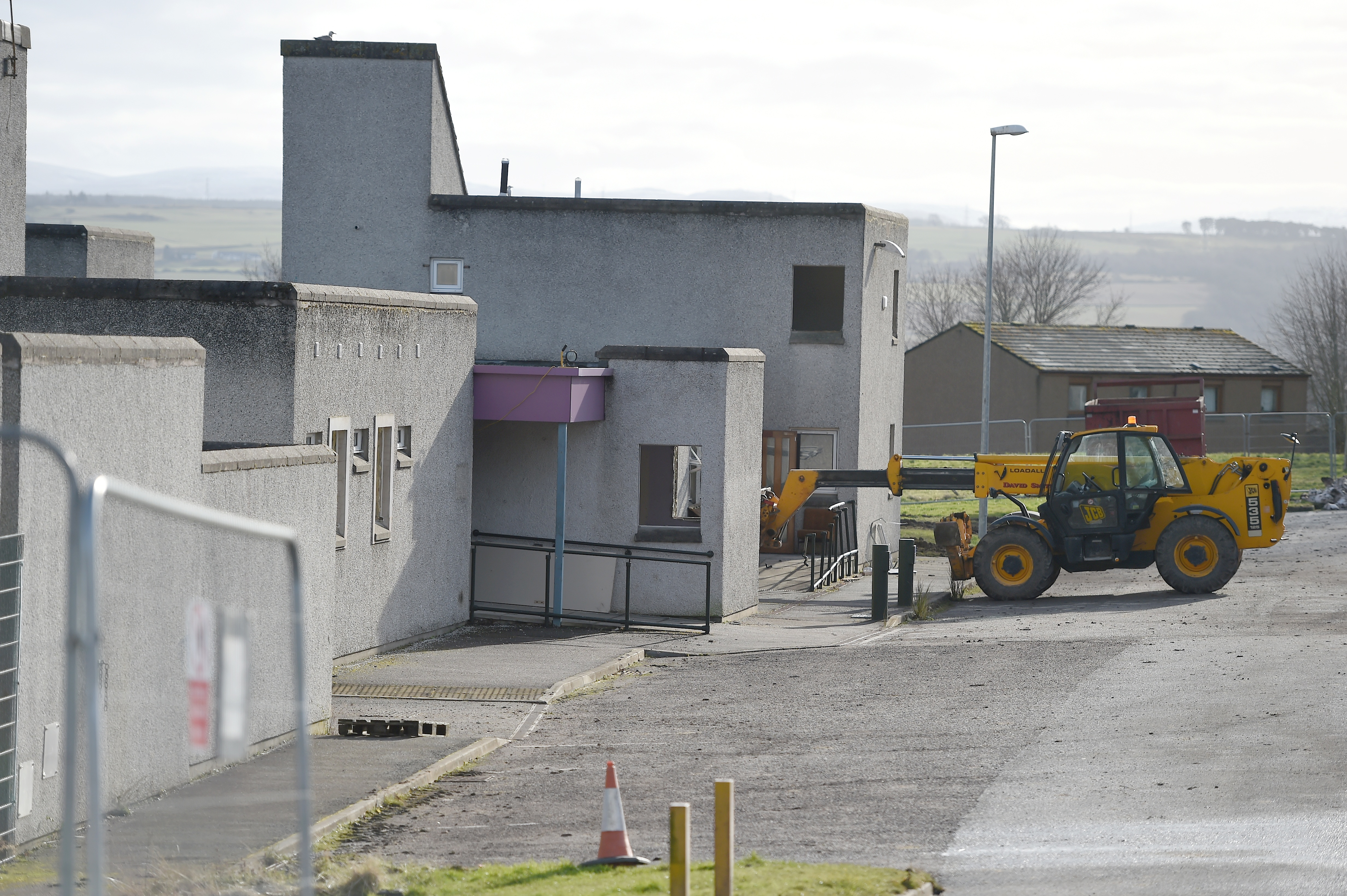 Work has begun in Inverness to demolish the former Kinmylies building.