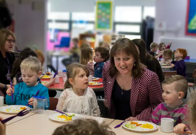 Maree Todd having lunch with children in Buckie