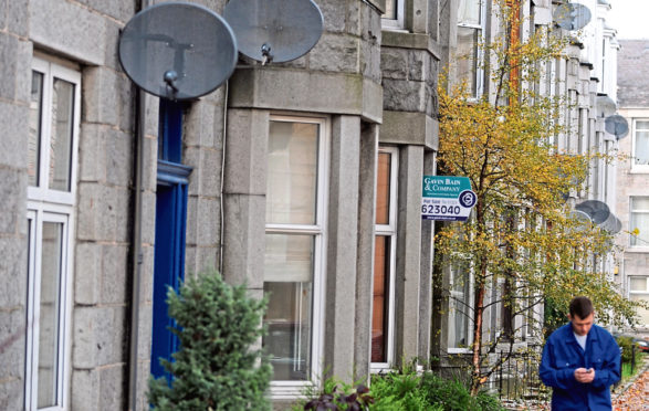 Locator pictures of flats and houses for sale, rent or lease in Aberdeen.