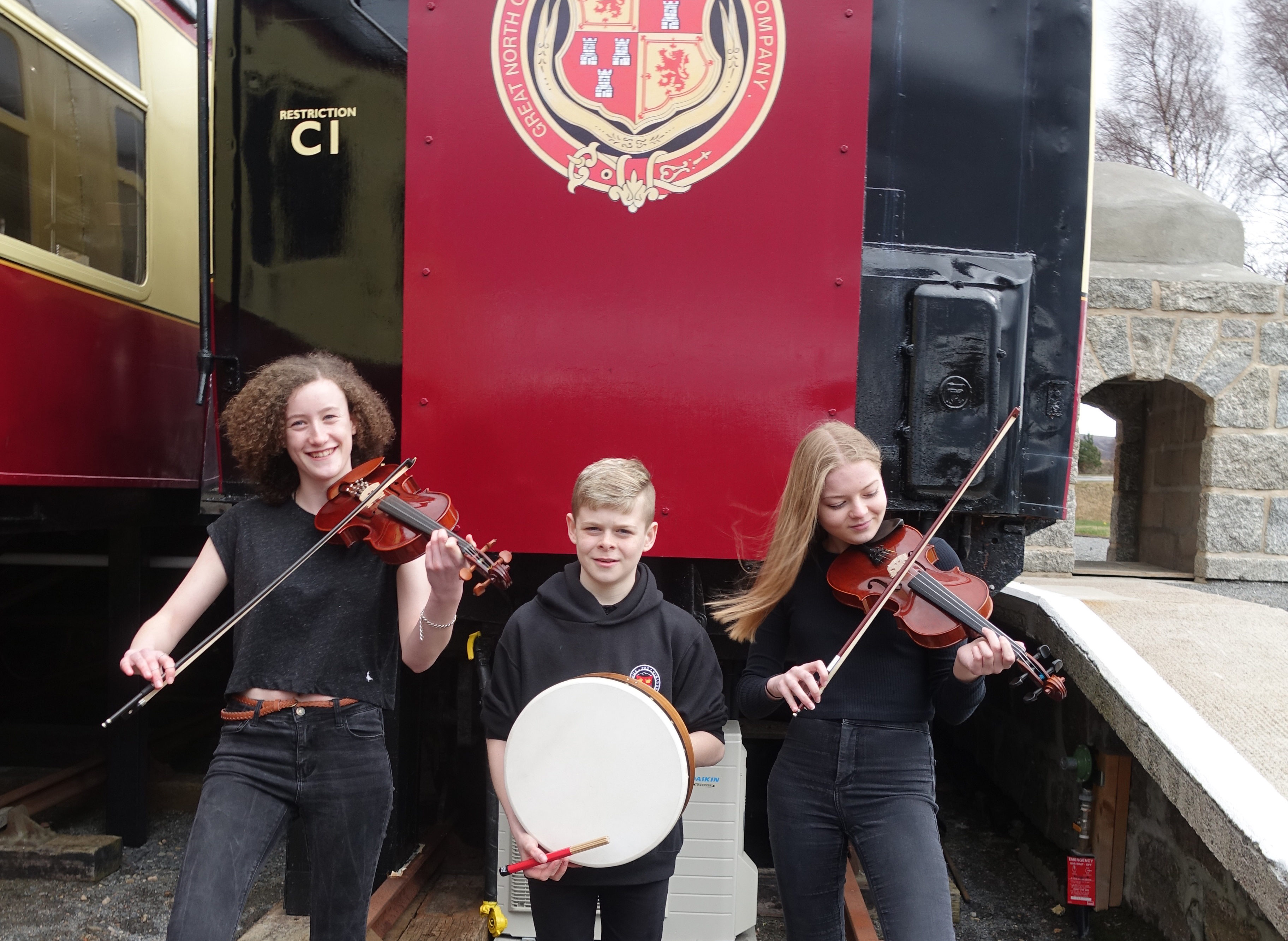 L-R: Sol Robson, Finlay Beange and Amber Beange