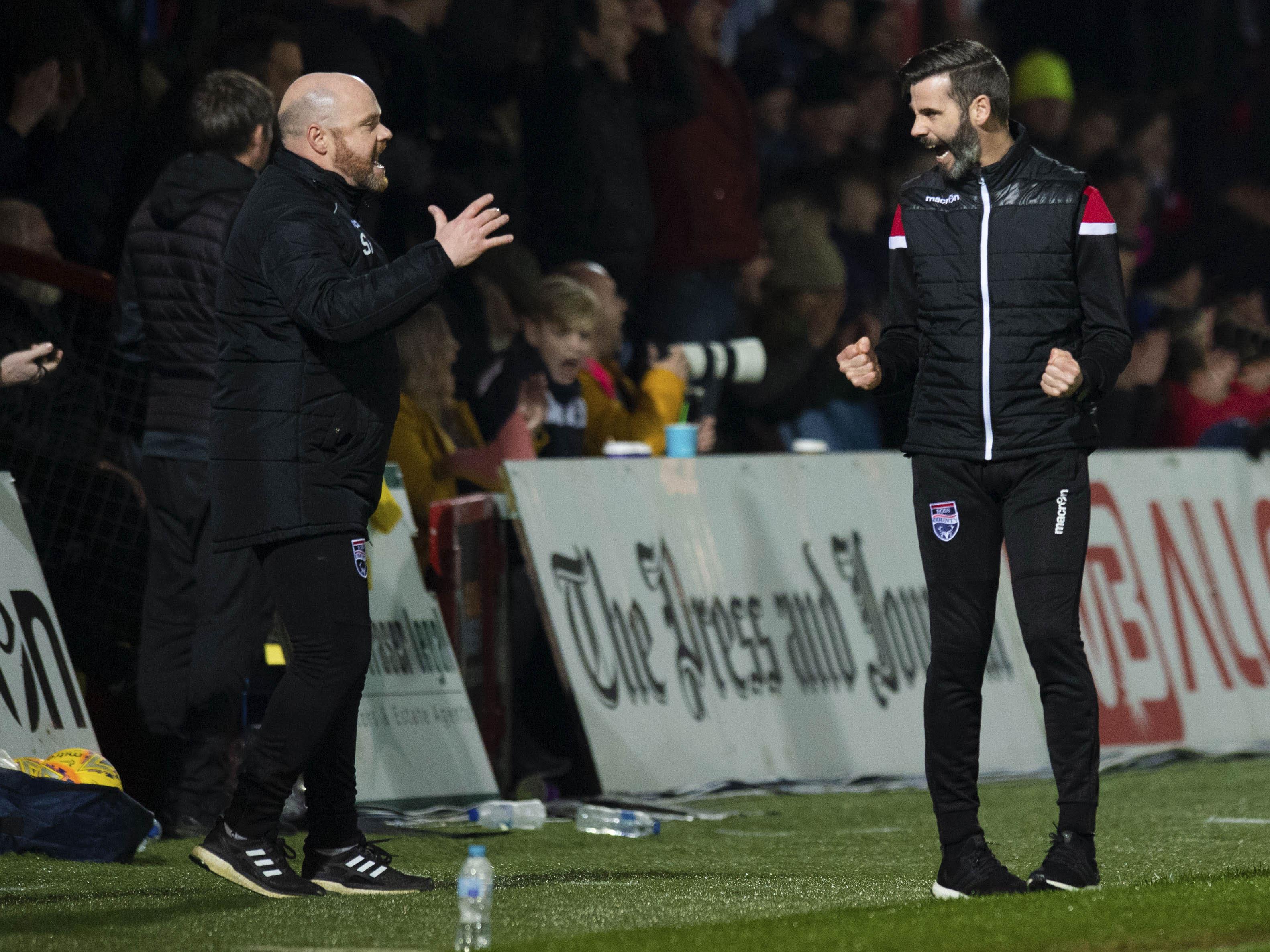 Ross County managers Steven Ferguson (L) and Stuart Kettlewell.