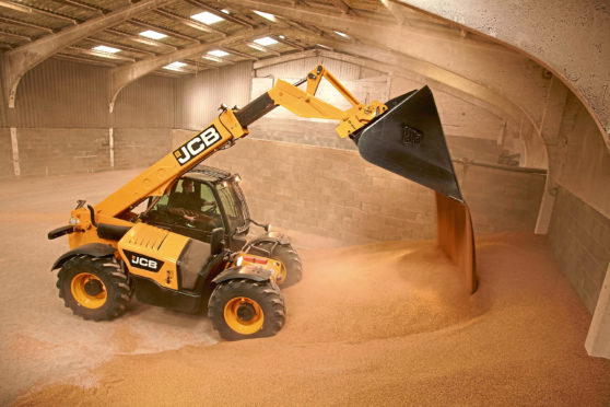 The 531-70 JCB Loadall in action on farm