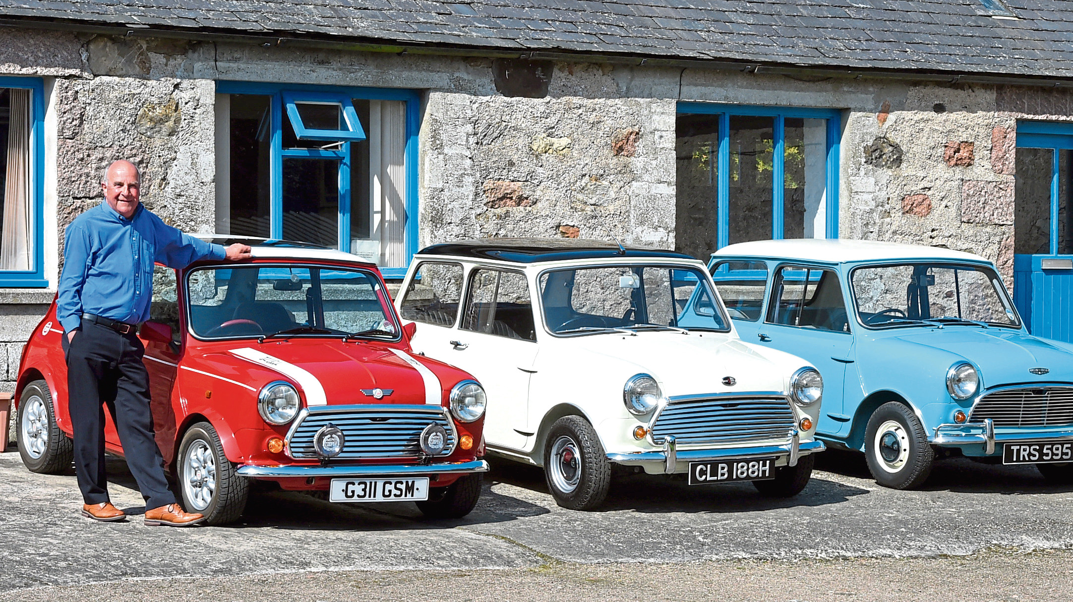 Cyril Craig with his Prestige Mini Coopers at Hatton. Pictures and video by Jim Irvine
