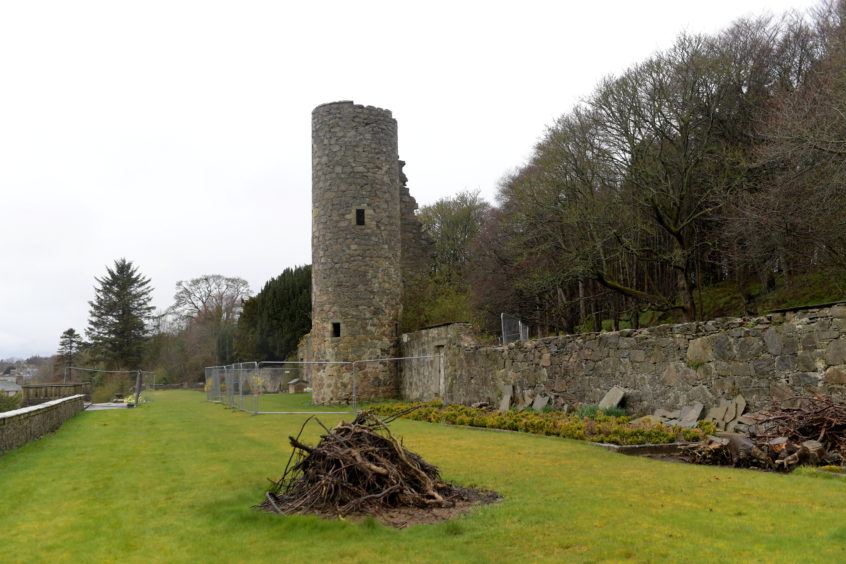There has been further upgrade work carried out to Ellon Castle gardens.