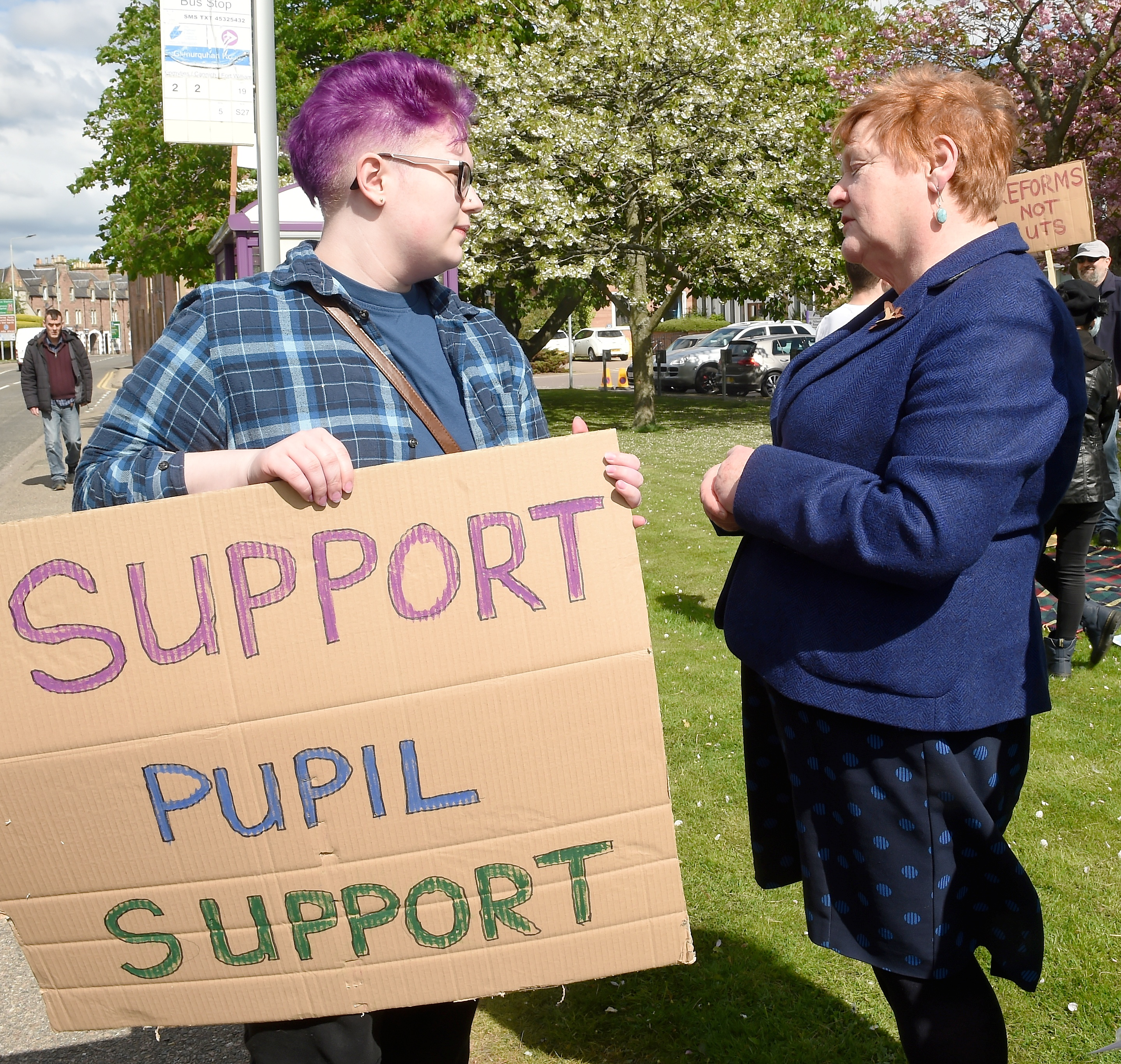Protest organiser Skye Hawkins (17) of Drumnadrochit speaks with council leader Margaret Davidson.