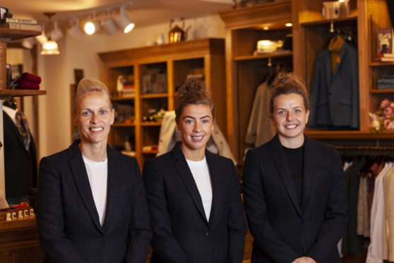 L-Rt: Scotland manager Shelley Kerr and players Nicola Docherty and Hayley Lauder.