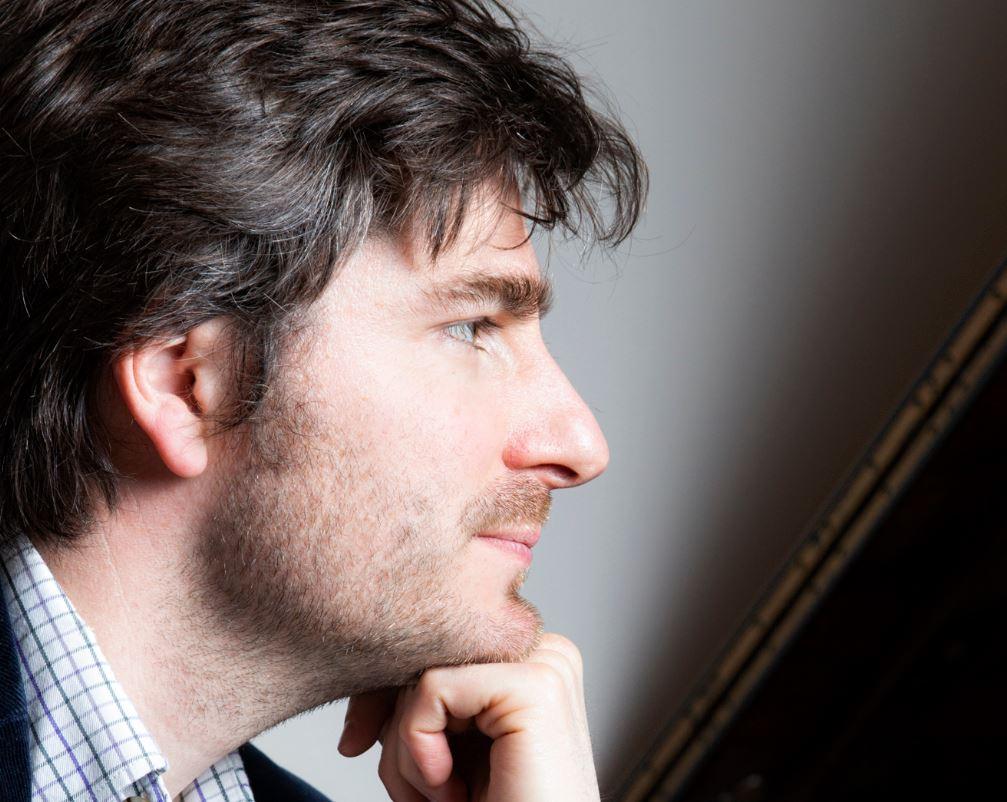 Euan Stevenson will perform in Elgin in July.