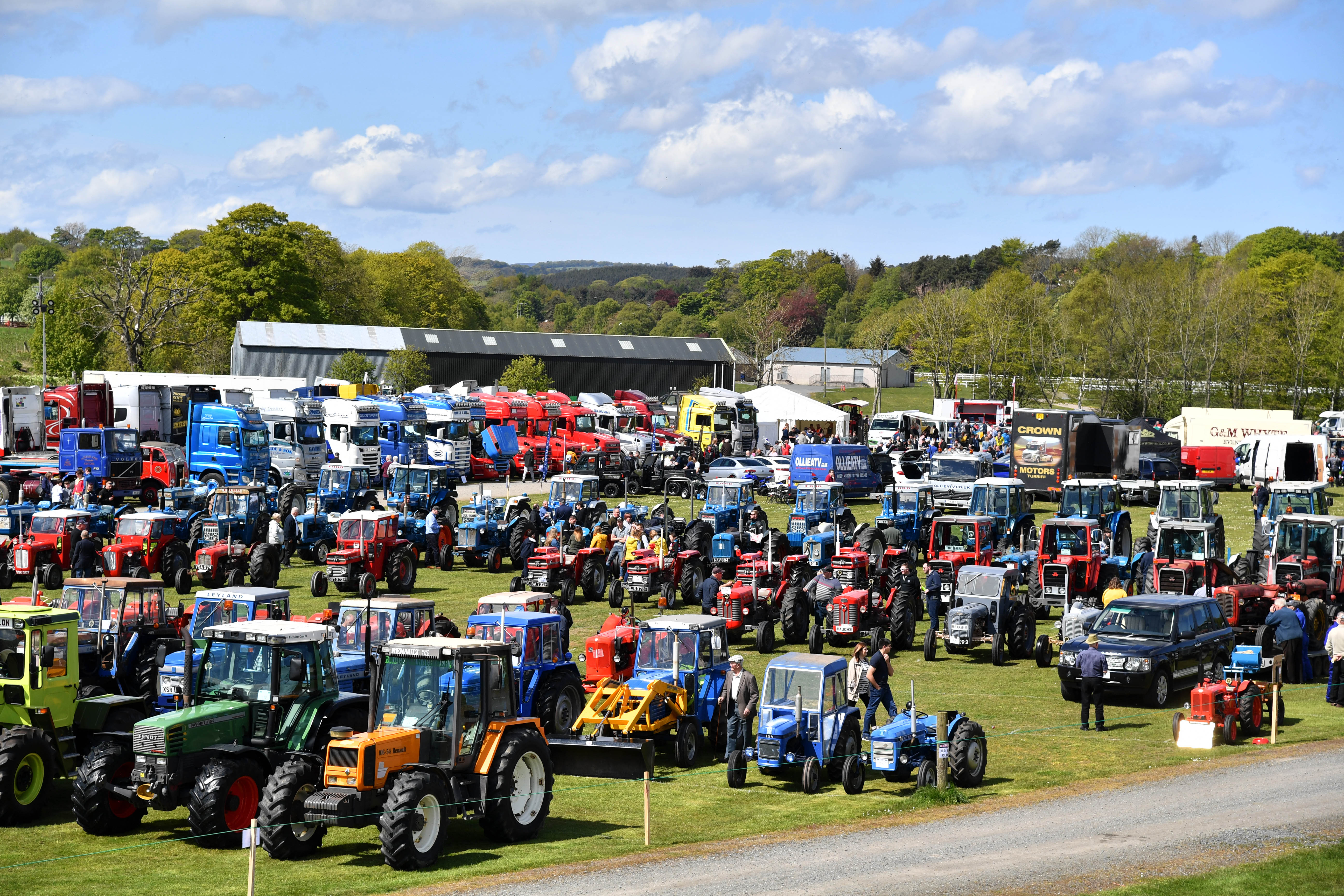 TURRIFF VINTAGE CAR AND VEHICLE RALLY.  A LARGE DISPLAY OF VINTAGE TRACTORS AT TURRIFF.