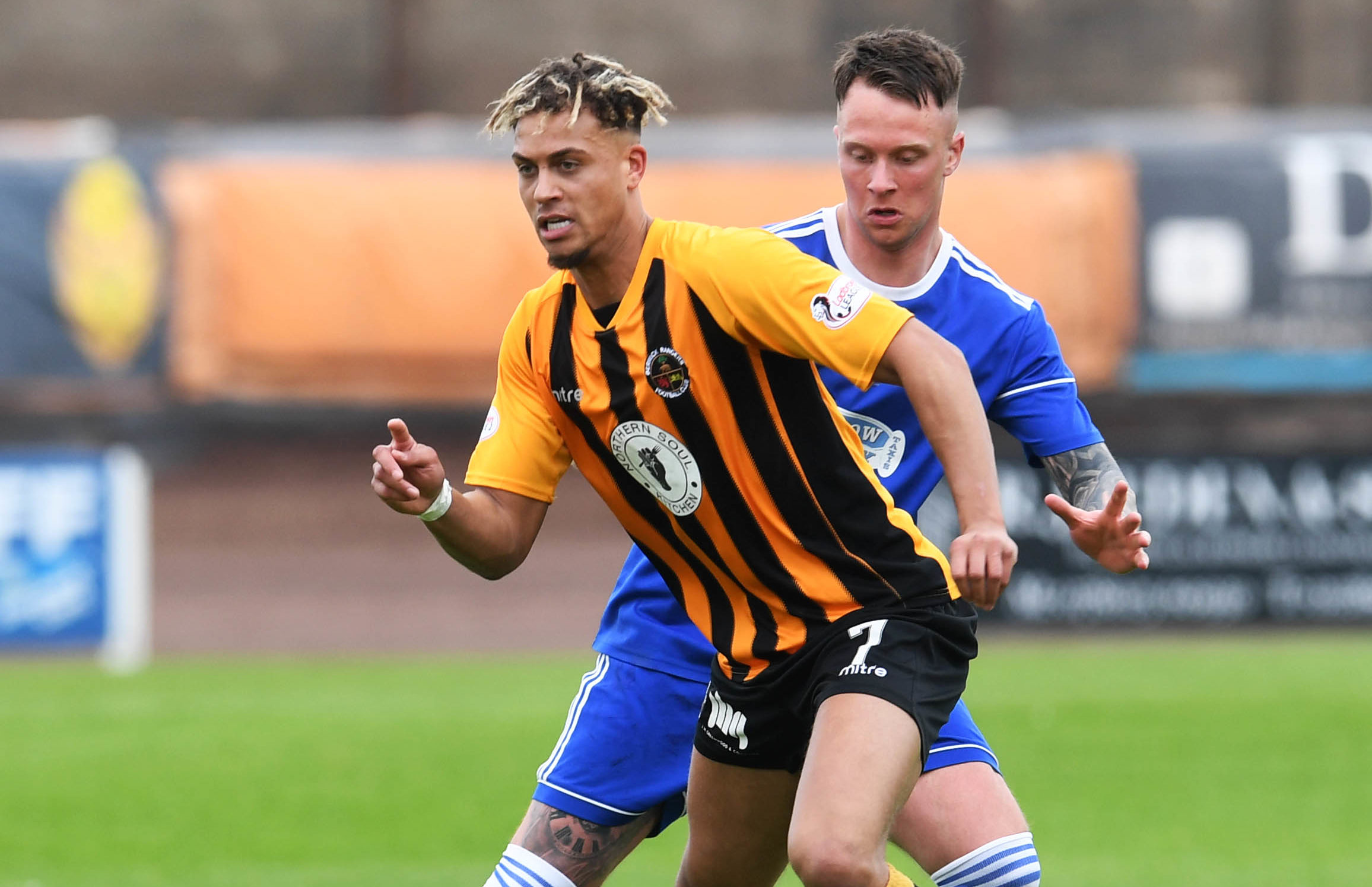 Cove Rangers beat Berwick over two legs for a place in League 2.