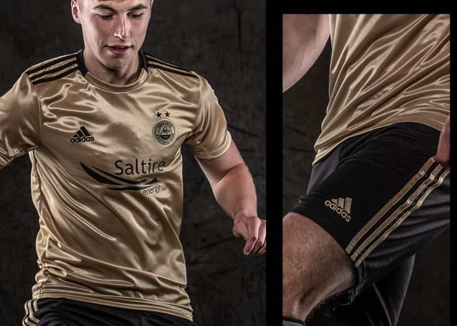 New black and gold Aberdeen FC away strip.