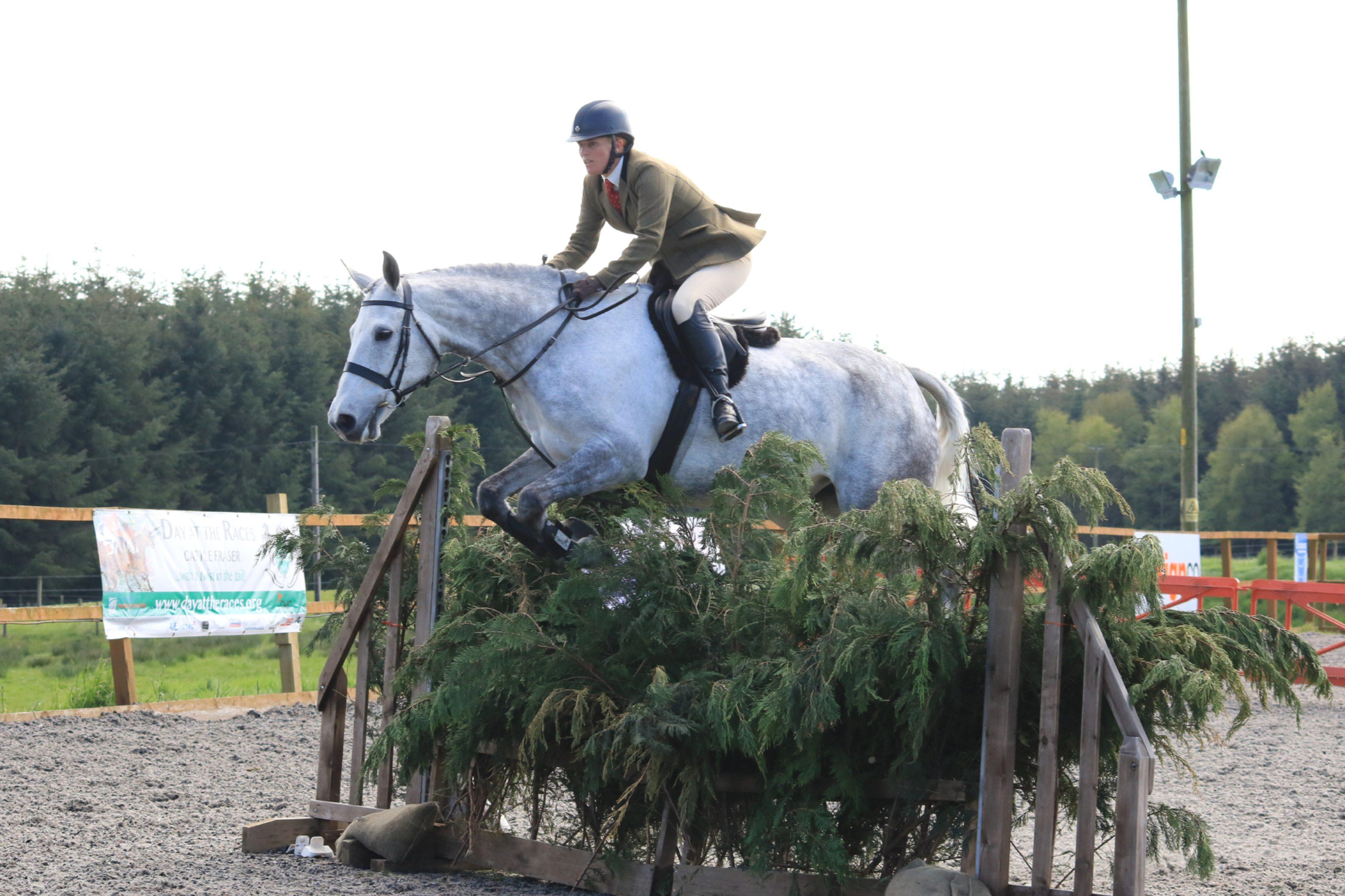 Jumping to their Blair Castle ticket, Karen Thomson on Ochil Henley
