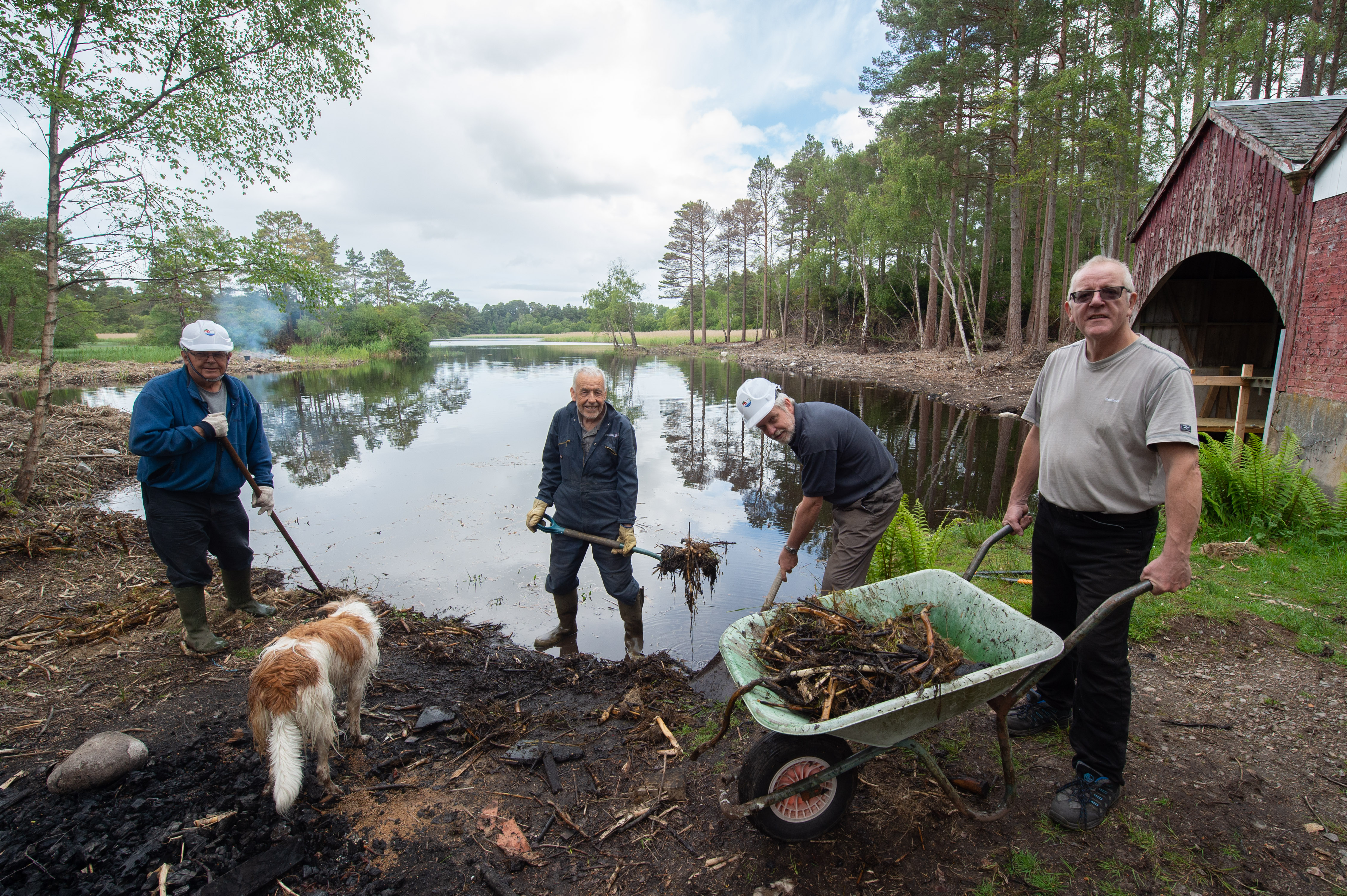 Support is growing to revamp an abandoned fishery and turn it into an education centre.