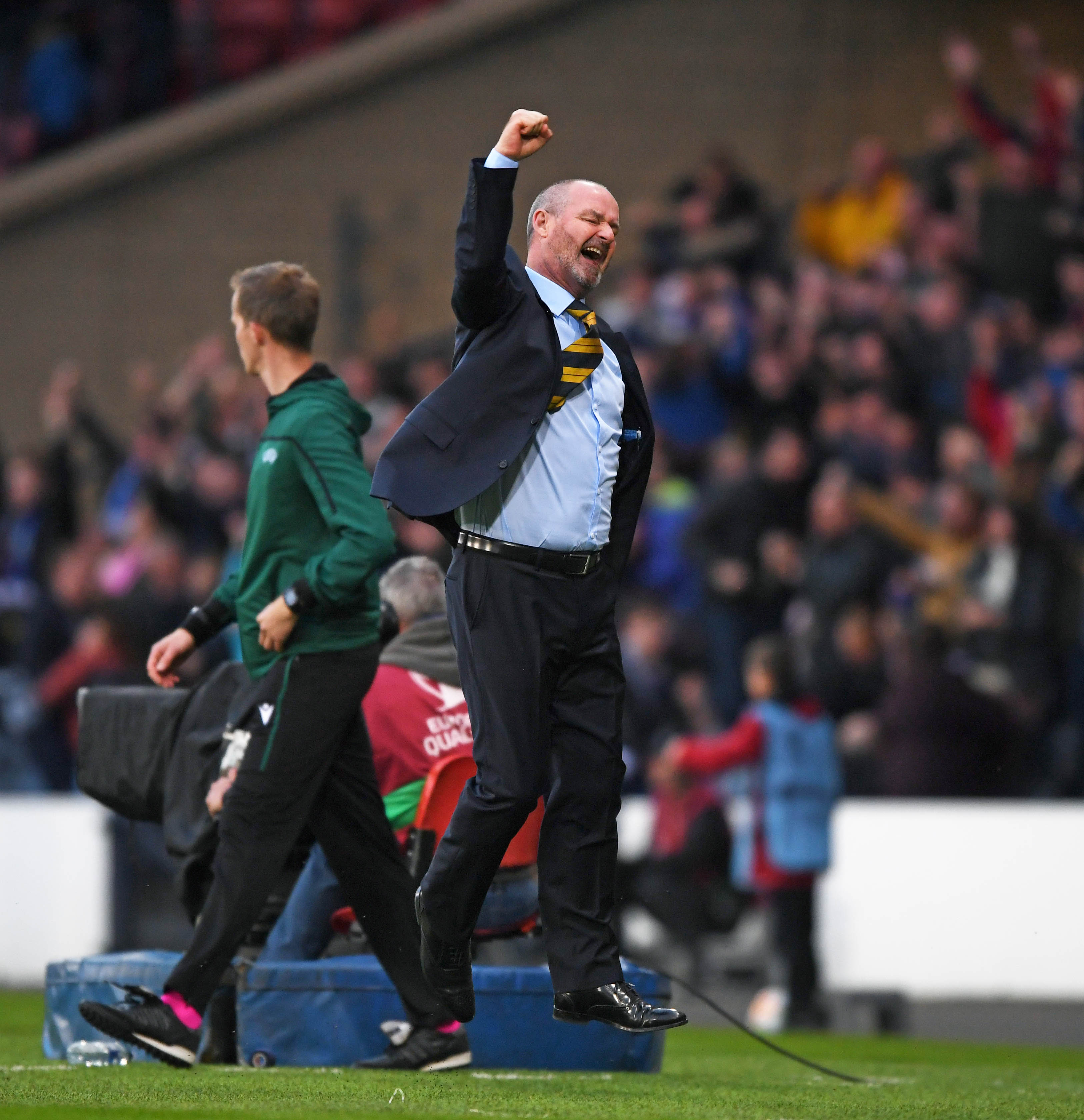 08/06/19 UEFA EUROPEAN CHAMPIONSHIP 2020 QUALIFYING ROUND SCOTLAND v CYPRUS HAMPDEN PARK - GLASGOW Scotland manager Steve Clarke celebrates Oliver Burke's late goal