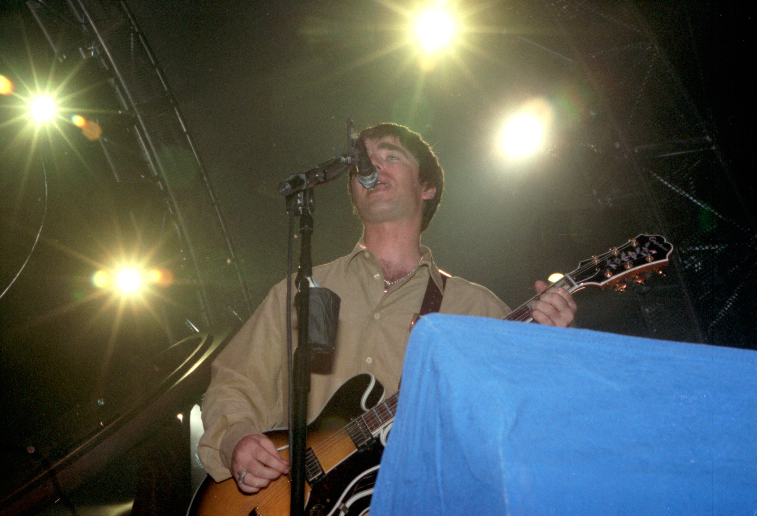 Oasis gig in 1997. Picture by Kami Thomson