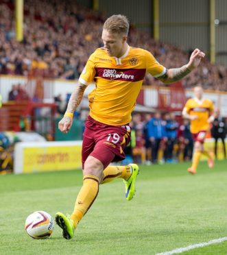 Lee Erwin in action for Motherwell.