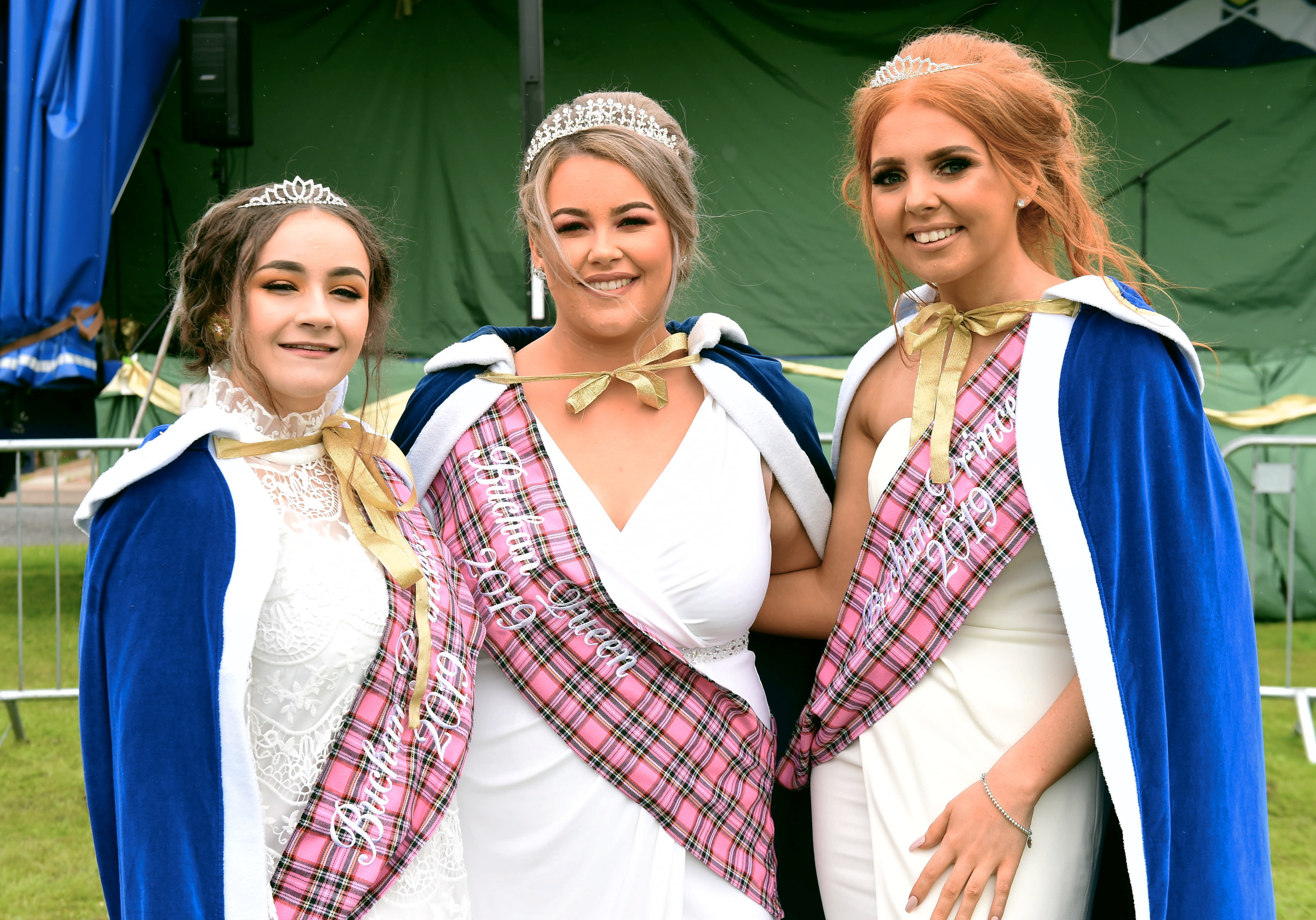 Pictured from left, Emma Fraser, Christina Barnett (Queen) and Aylie Donoghue.  Picture by Heather Fowlie