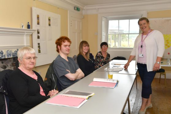 CLAIRE BANCROFT OF REACH  WITH  CLASS MEMBERS (L TO R) MORAG MCDONALD, PAUL LANGE, LORRAINE SUTHERLAND AND VALERIE BINNIE