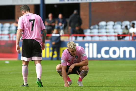 Peterhead struggled to defeat against Raith Rovers.
