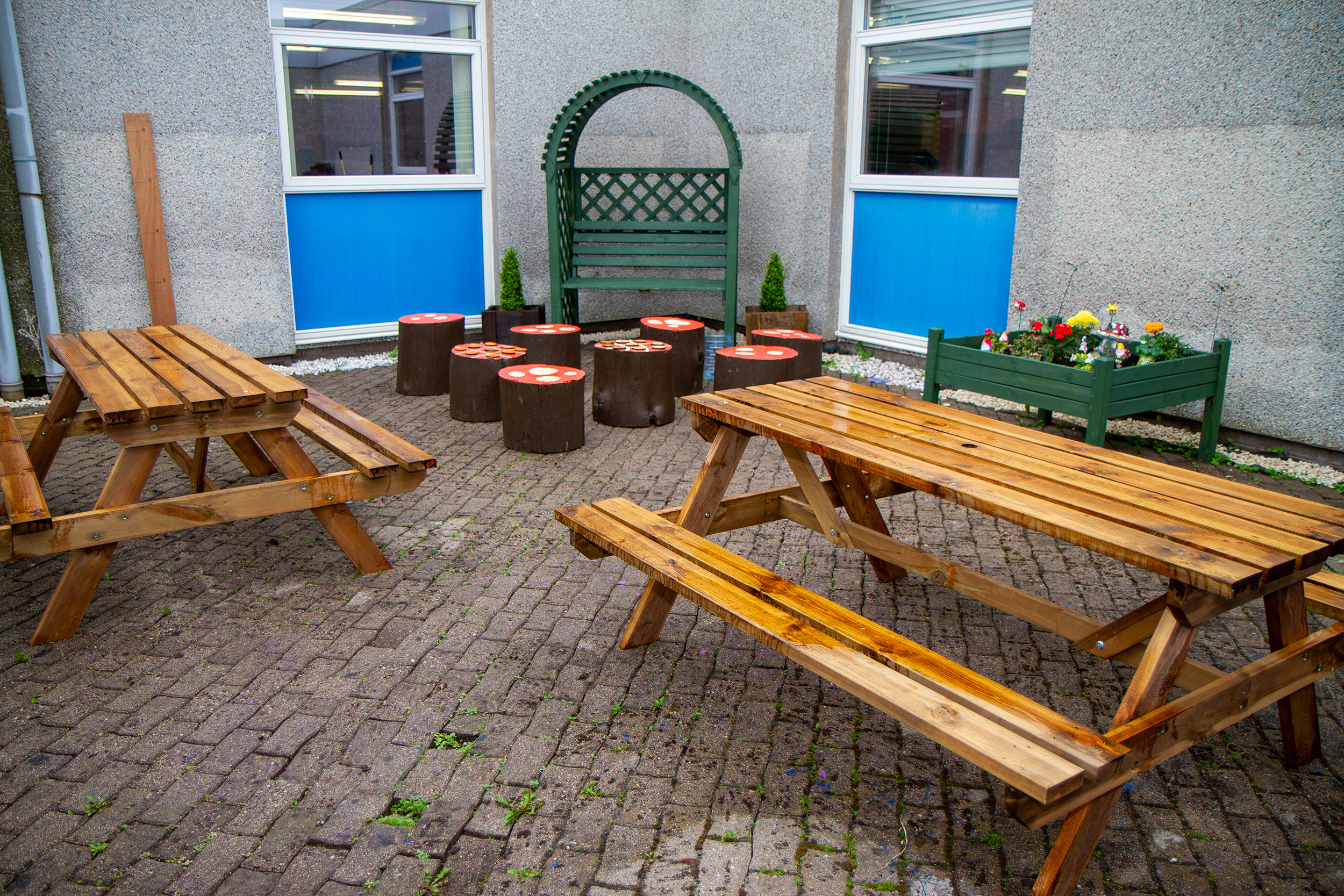 The Foyer Reach team 8 renovated an outdoor area of Dales Park School, Peterhead