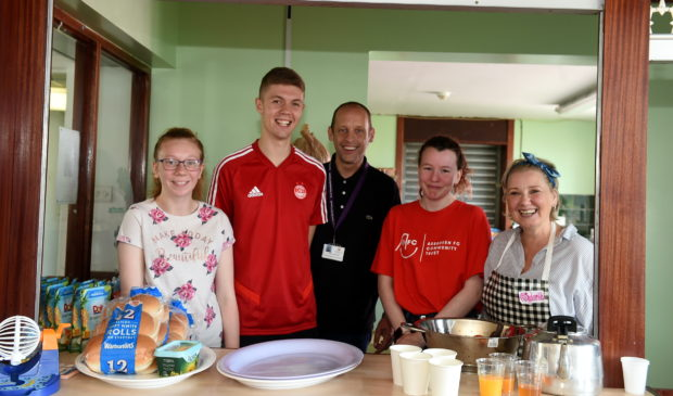 Cummings Park Centre hosts kids during the summer holidays for a Food and Fund scheme run by CFINE.  The initiative is aimed to alleviate holiday hunger by supplying a range of food to school and community centres in the city