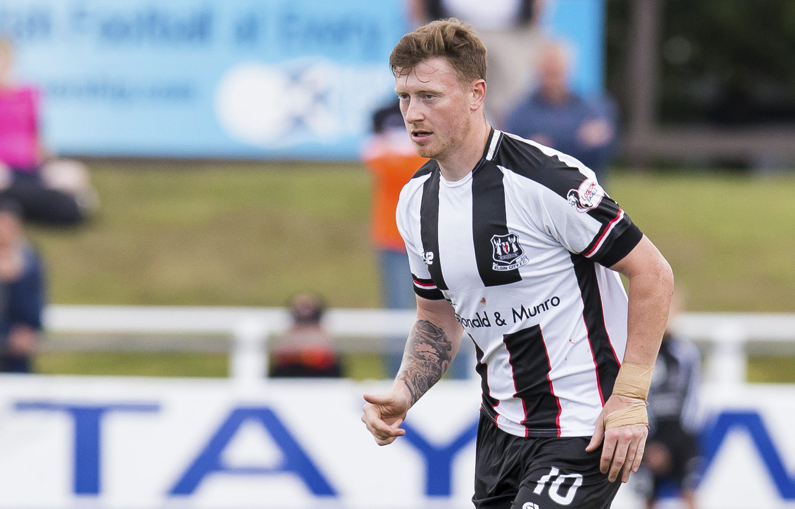 Shane Sutherland in action for Elgin City.