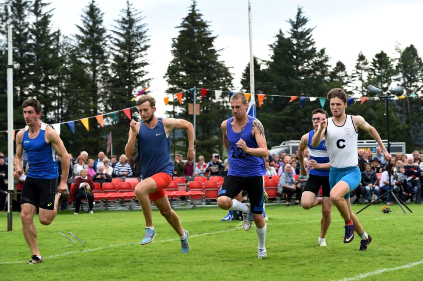 The 100m race.  Picture by KENNY ELRICK