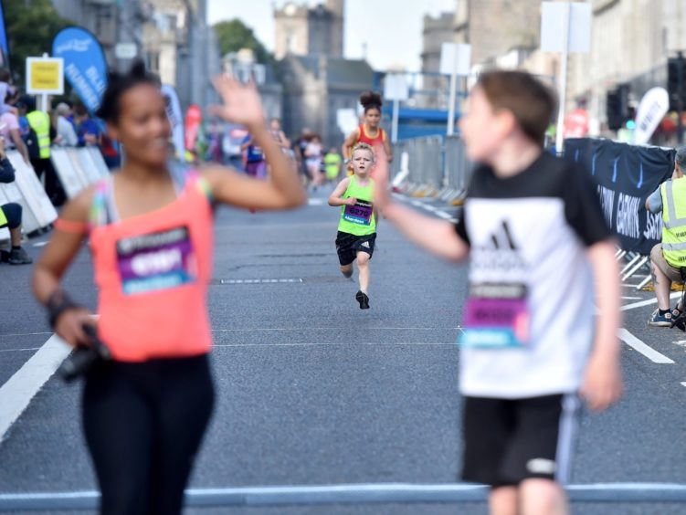 Runners during the Simplyhealth Great Aberdeen Family run.   Picture by Scott Baxter