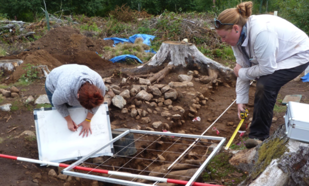 New archaeology investigation this week at Battle Hill in Huntly, to unearth prehistoric past of up to 3,000 years ago.