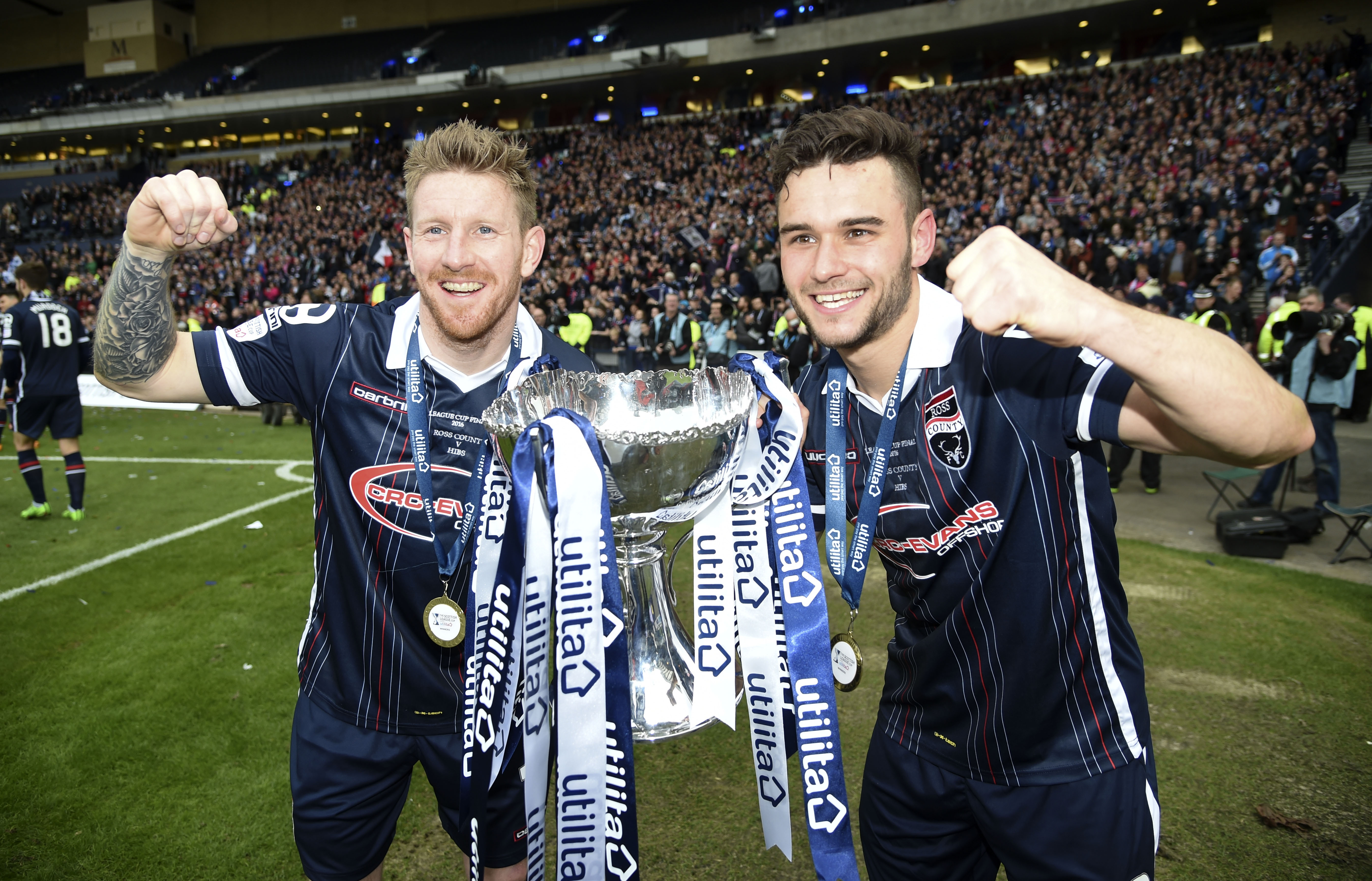 Ross County's Michael Gardyne (left) and Alex Schalk with the League Cup.