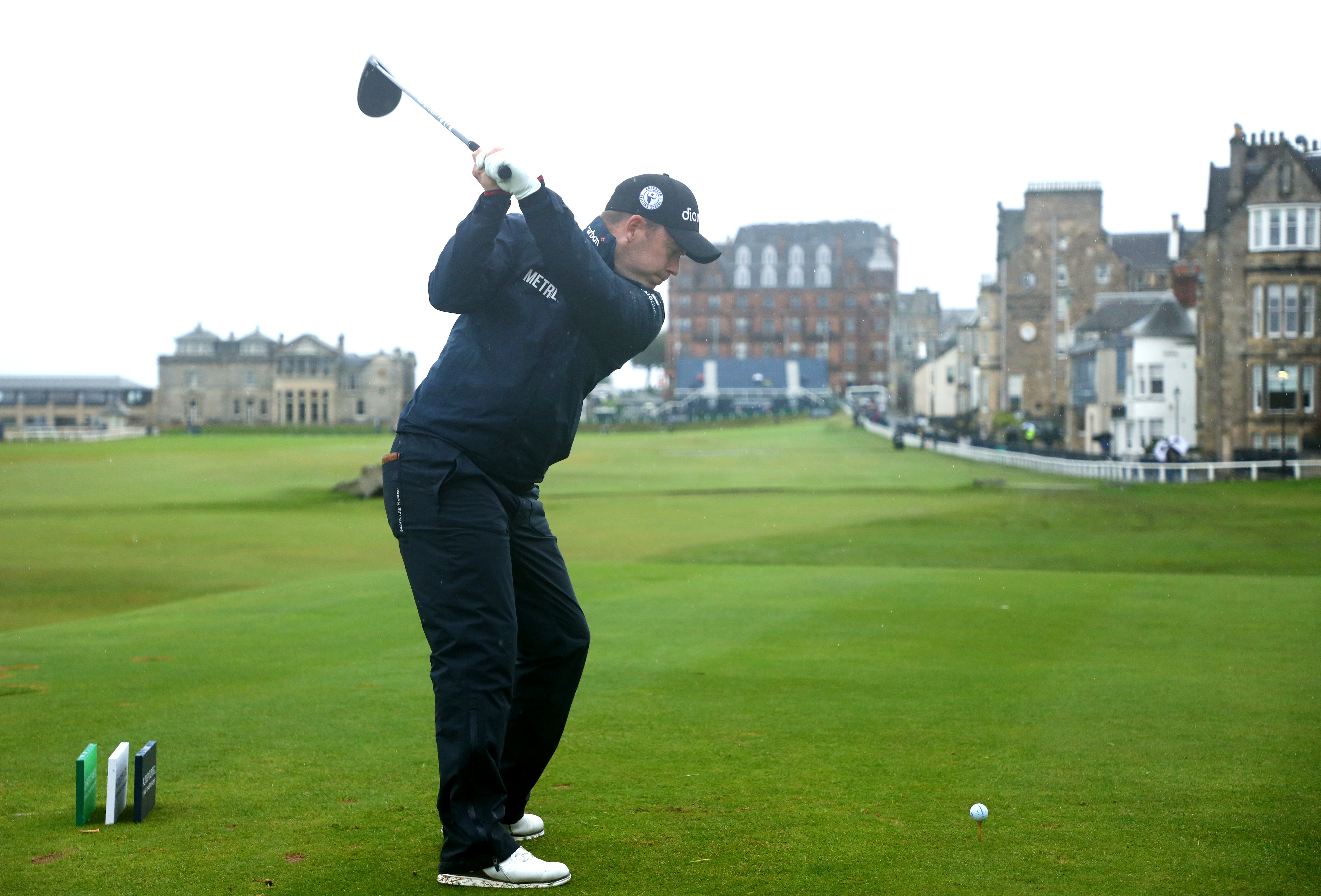 Richie Ramsay of Scotland tees off on the 18th hole during day two of the Alfred Dunhill Links Championship. (Photo by Matthew Lewis/Getty Images)