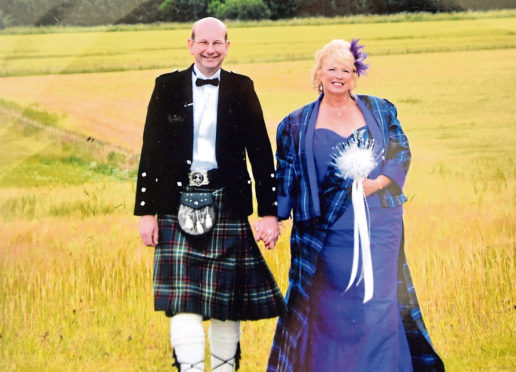 Angus and Caroline McNicol recreating their wedding photo  Picture by DARRELL BENNS