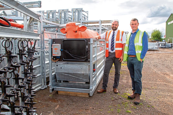 Ross Robertson and Andrew Edwards with the demonstration Beef Monitor system.
