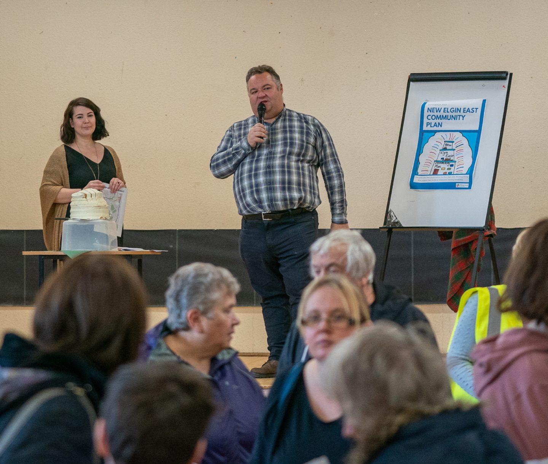 Councillor Graham Leadbitter opens the Fair.