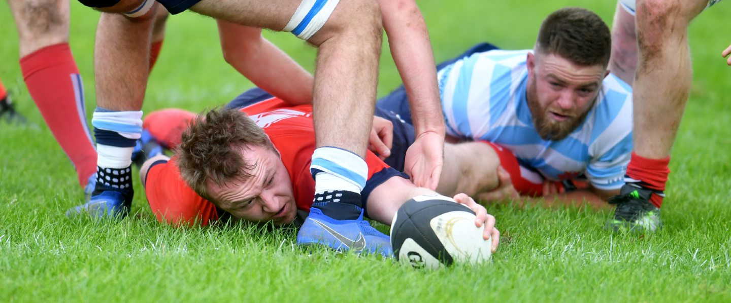 Aberdeen's Robin Cessford breaks for the line and scores the first try.  Pic by Chris Sumner