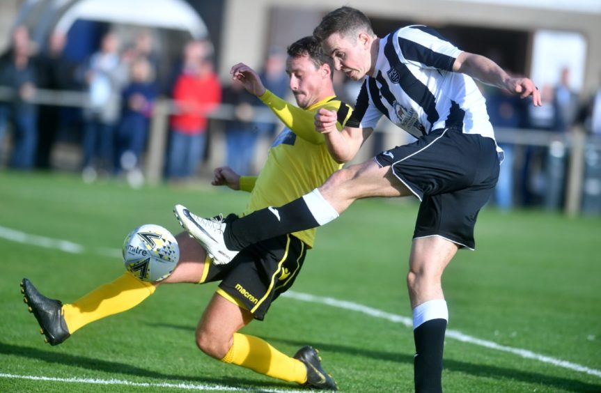 Fraserburgh's Paul Campbell goes for goal in the last minutes. Pic by Chris Sumner