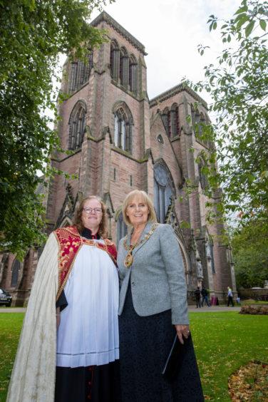 Rev Sarah Murray and provost Helen Carmichael.