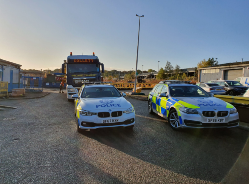 The abnormal load preparing to leave Dyce this morning