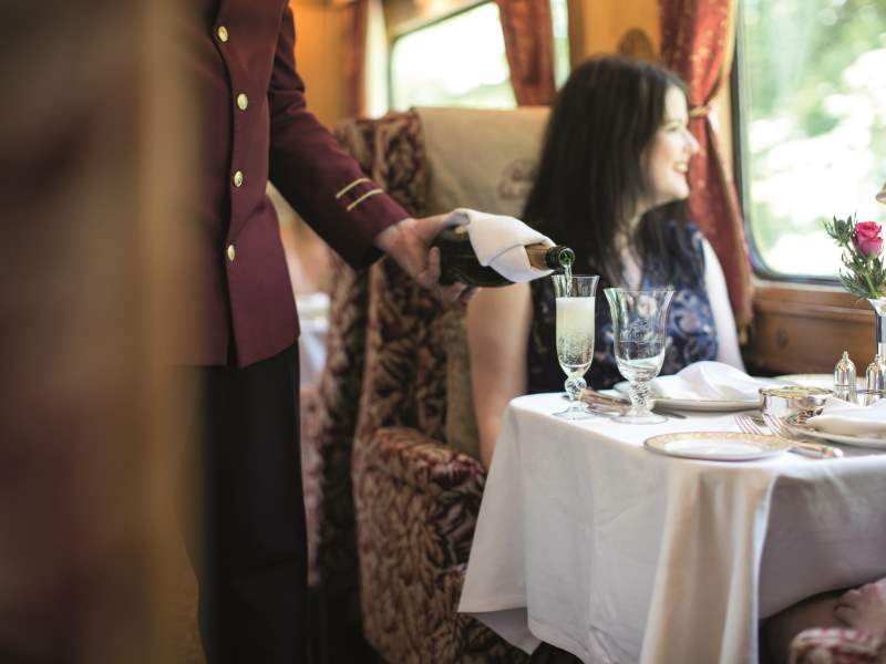 Northern Belle dining