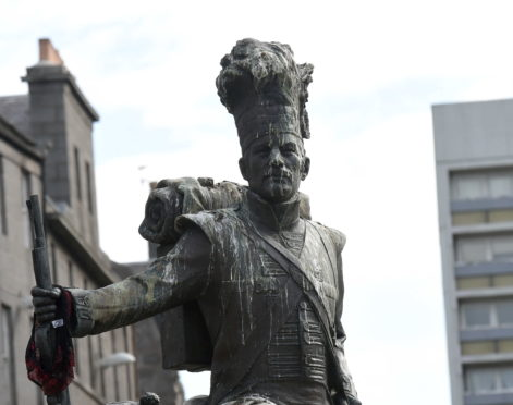 The Gordon Highlanders statue on the Castlegate.
