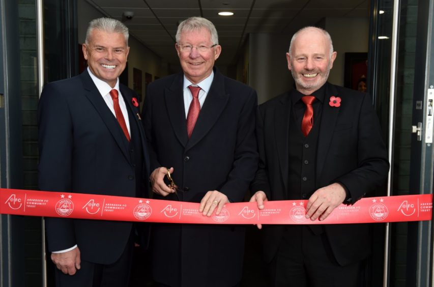 Picture of (L-R) Dave Cormack, Sir Alex Ferguson, Stewart Milne.  Picture by KENNY ELRICK
