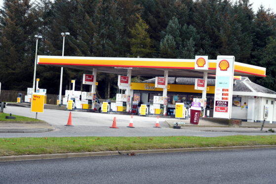 The Shell petrol station on Wellington Road, Aberdeen. Picture by Jim Irvine