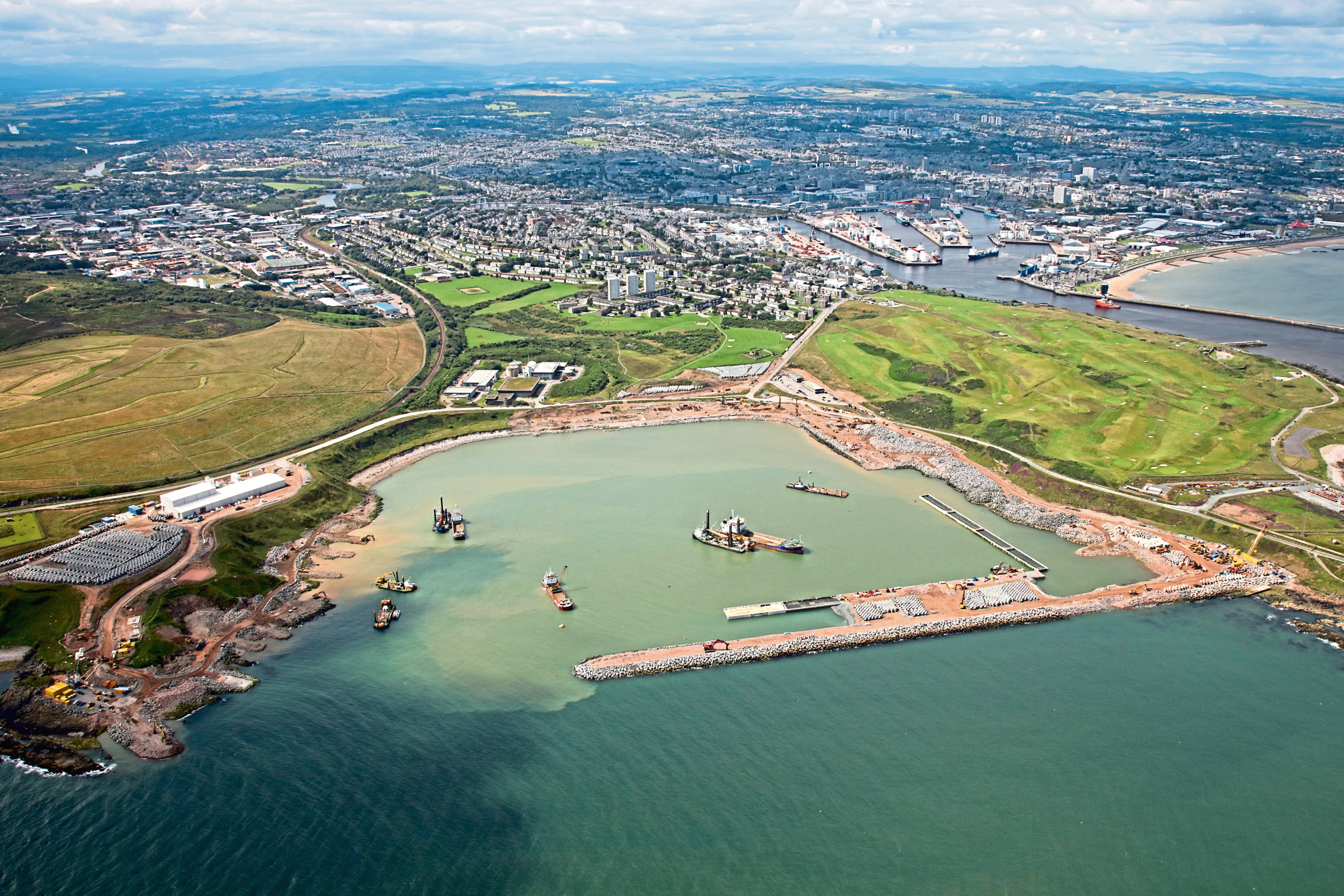 Aberdeen south harbour