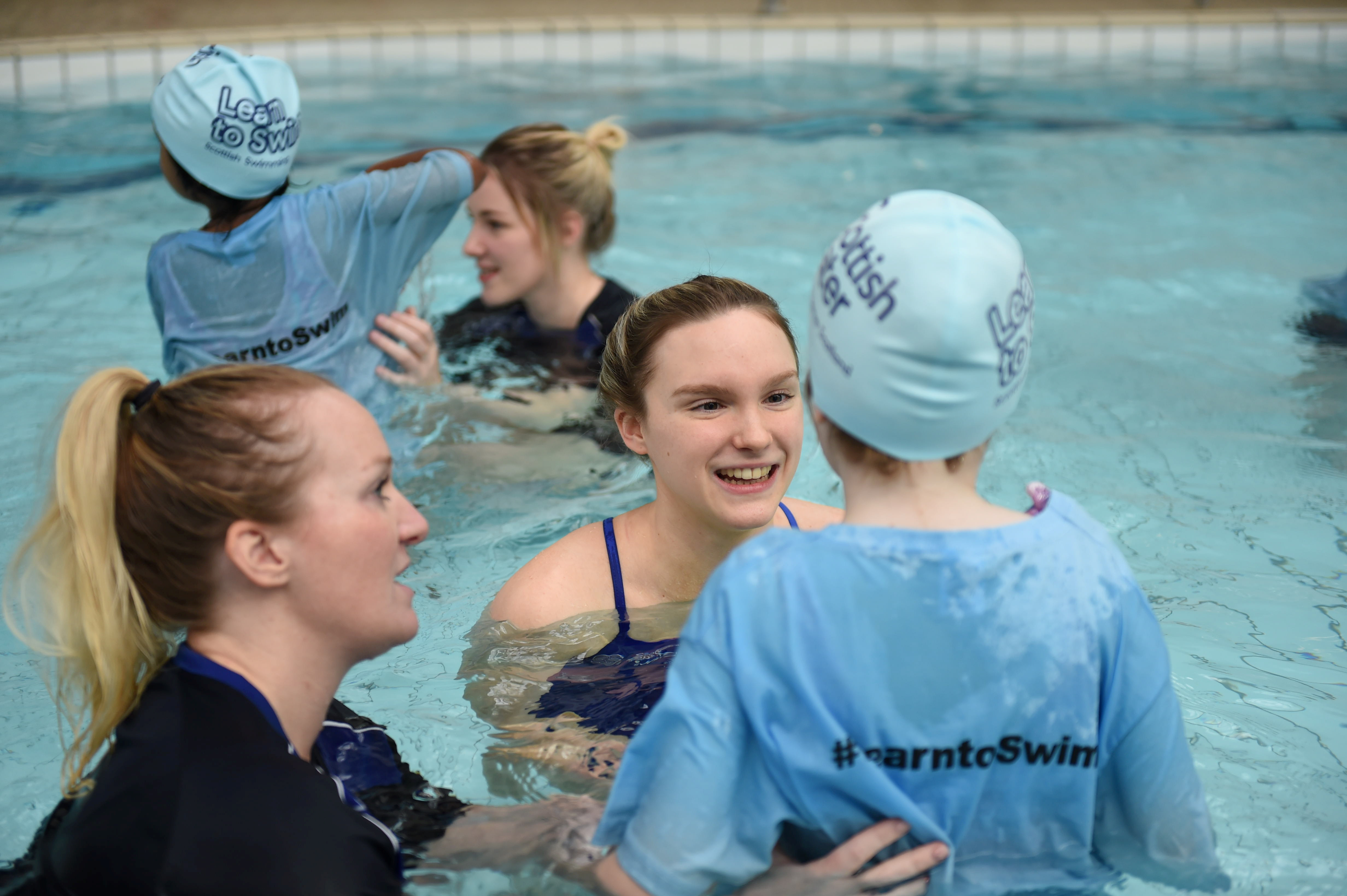 Toni Shaw helped out at a swimming lesson for Mile End School pupils. Picture by Paul Glendell
