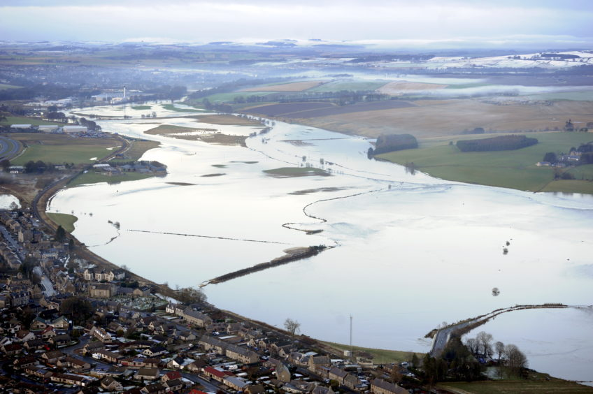 Flooding of the River Don near Kintore/Port Elphinston/Inverurie in 2016. Picture by DARRELL BENNS